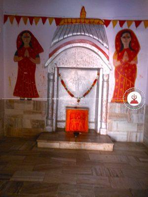 sati-idols-jamwai-mata-temple-bhorki-rajasthan